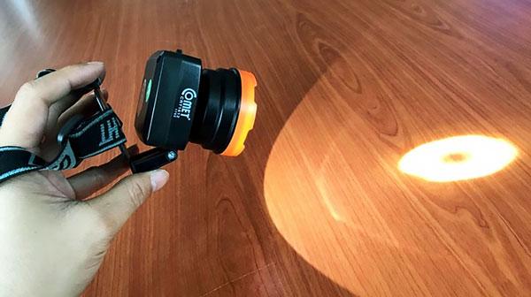 Đèn pin đội đầu CRT1612 Comet
